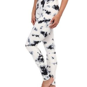 NIKE Legend Full Length Tie Dye Marble Leggings